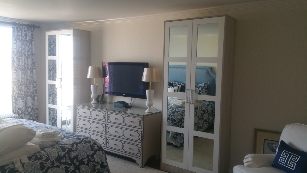 Custom Closets and Bedroom Storage - European Cabinets and ...